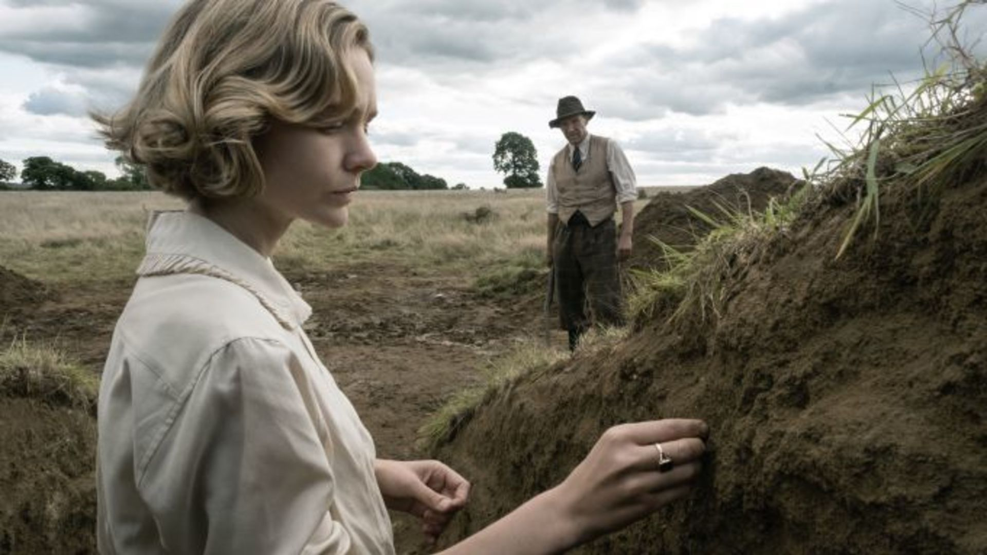 Netflix onthult aangrijpende trailer en releasedatum van 'The Dig'