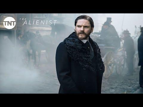 Daniel Brühl, Luke Evans and Dakota Fanning: The Alienist Official Trailer #2 [2018] | TNT